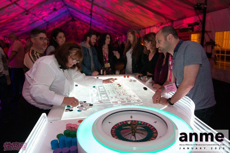 洛杉矶成人展ANME80年代主题派对 (138)