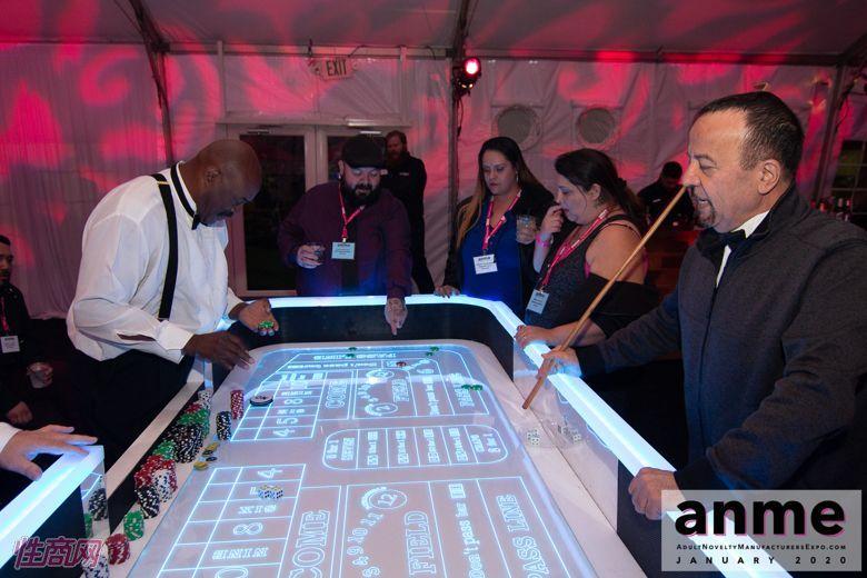 洛杉矶成人展ANME80年代主题派对 (139)