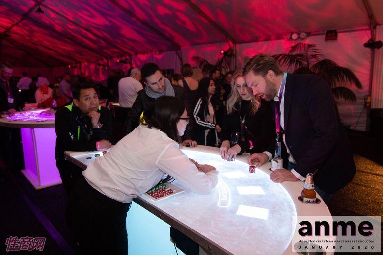 洛杉矶成人展ANME80年代主题派对 (142)