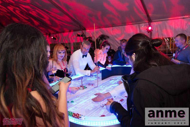 洛杉矶成人展ANME80年代主题派对 (144)