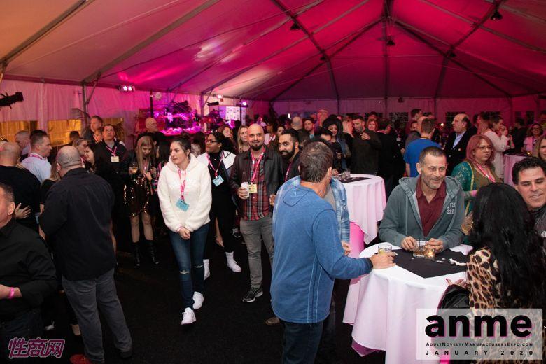 洛杉矶成人展ANME80年代主题派对 (35)