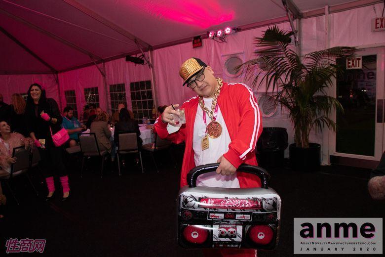 洛杉矶成人展ANME80年代主题派对 (36)