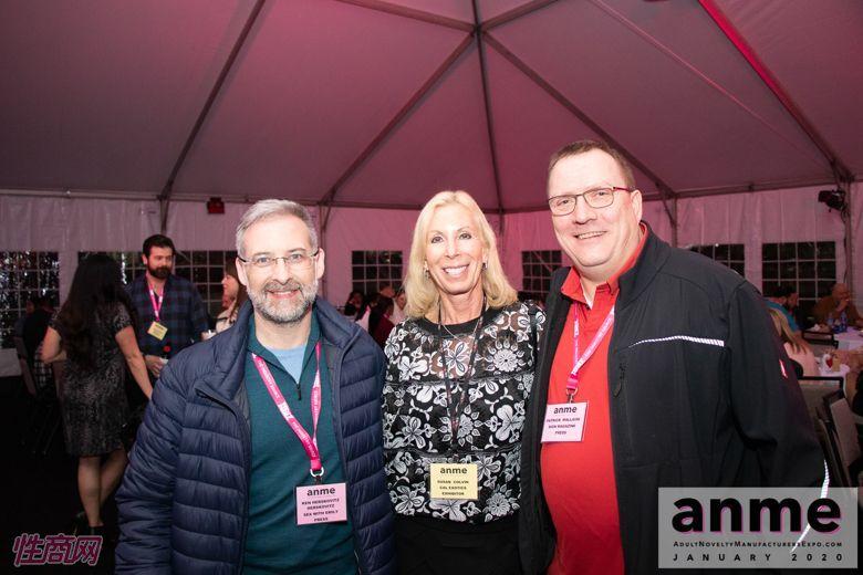 洛杉矶成人展ANME80年代主题派对 (40)