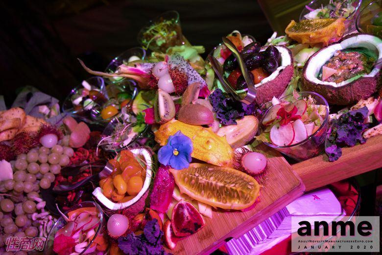 洛杉矶成人展ANME80年代主题派对 (18)