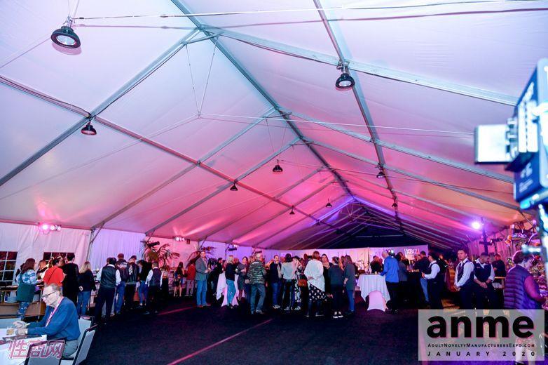 洛杉矶成人展ANME80年代主题派对 (17)