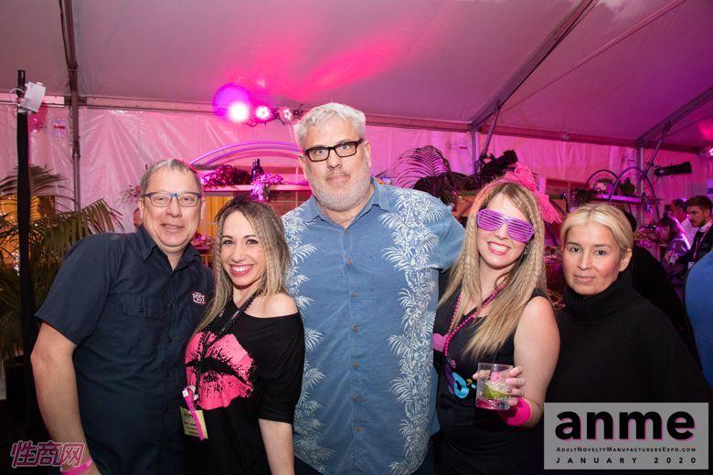 洛杉矶成人展ANME80年代主题派对 (58)