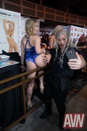 2020拉斯维加斯成人展AVN Show:成人影星3