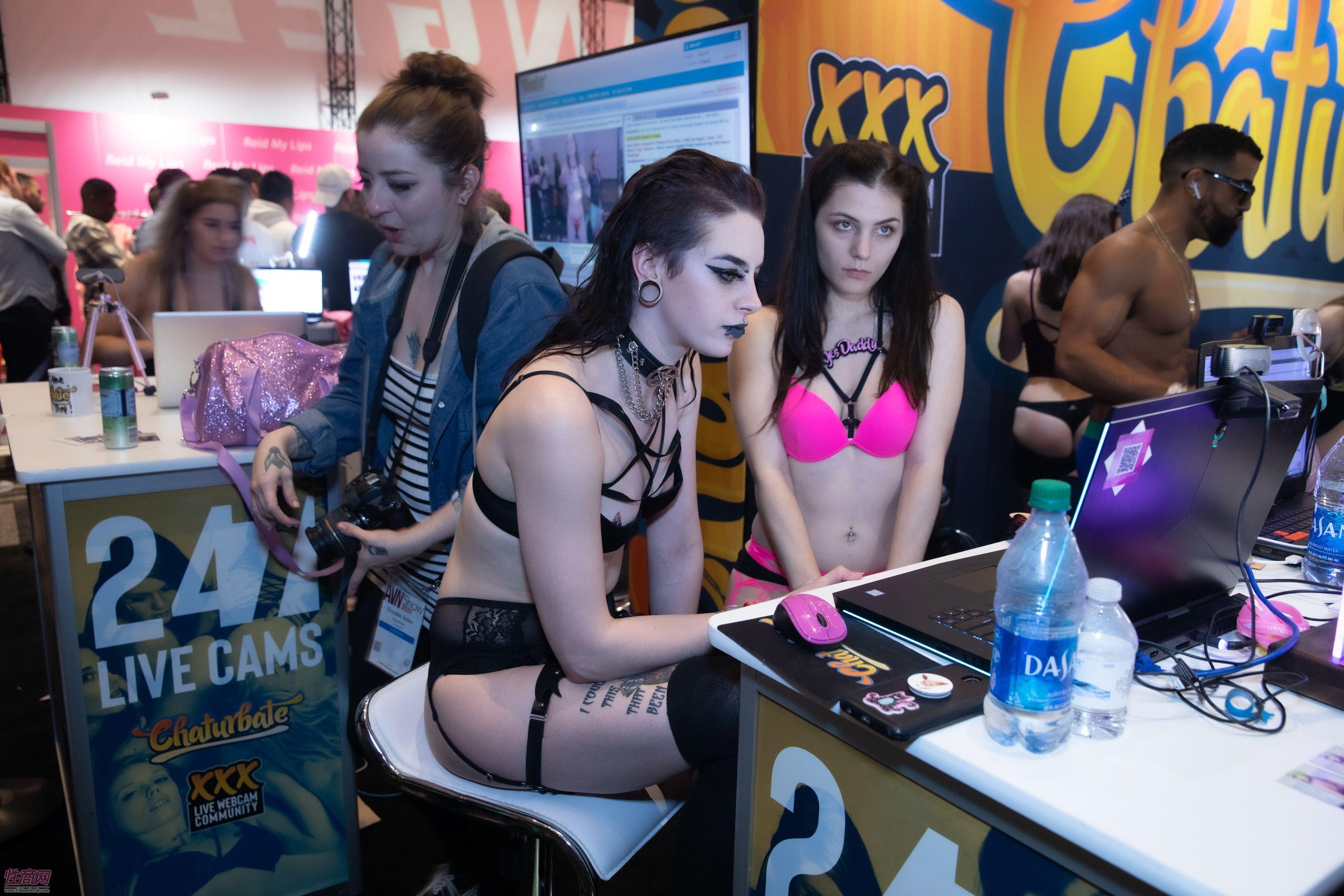 2020拉斯维加斯成人展AVN Show:成人影星4