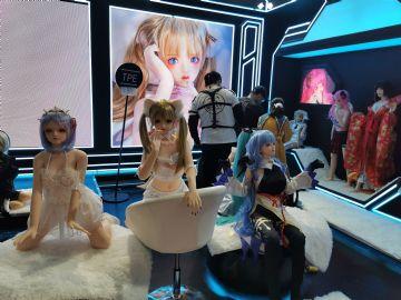 展会上各家品牌娃娃争奇斗艳 (1)